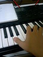 鍵盤と手.JPG